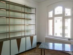 Regal und Schreibtisch Messing – Johannes Sitsen Metallbaumeister